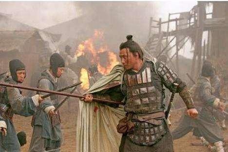 他跑得比马都快,因为皇帝不会用人,让他死在国外的战场上